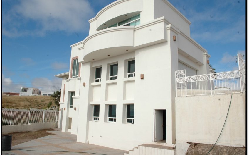 Hermosa Residencia en Baja Mlibu